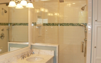Brown Bathroom 1.jpg